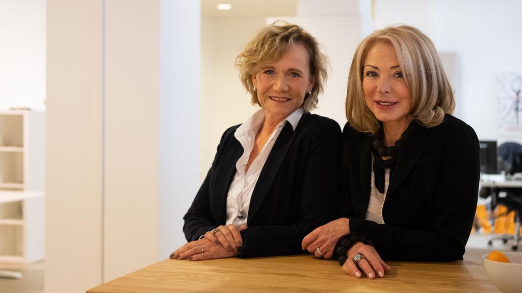 Andrea Rosemann und Anne Berg.
