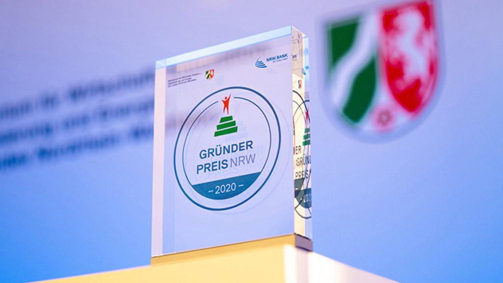Ausschnitt des Pokals vom GRÜNDERPREIS NRW 2020